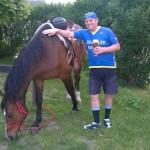Foto se zvířátky - umíme jezdit aj na koňovi