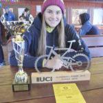 Pohár a šťastná bikerka z Holešova