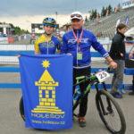 Libuš s mechanikem Jarynem po závodě