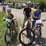 Tom, Ondra a Jarda před startem závodu