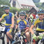 Týmoví kolegové Tom, Filip a Jarda